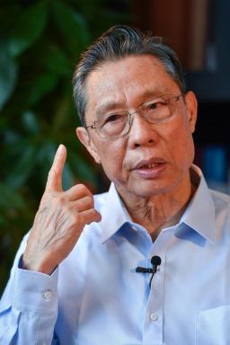 Academicianul Zhong Nanshan (Desktop tapet 6)