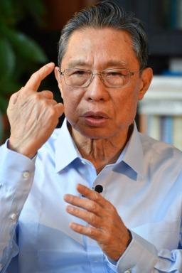 Academicianul Zhong Nanshan (Desktop tapet 5)